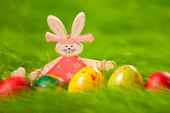 Easter-bunny-and-easter-eggs.jpg